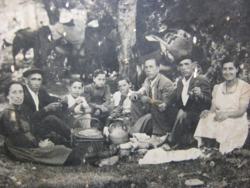 Compartir un bagot de raïm. 1939